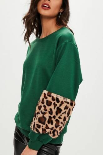 Leopard Fur Patched Sleeves Sweatshirt Verde