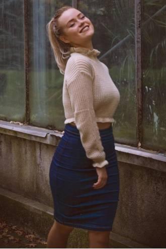 Pulover Andreea Bej